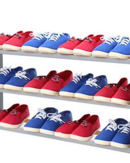Spalvota batų lentyna